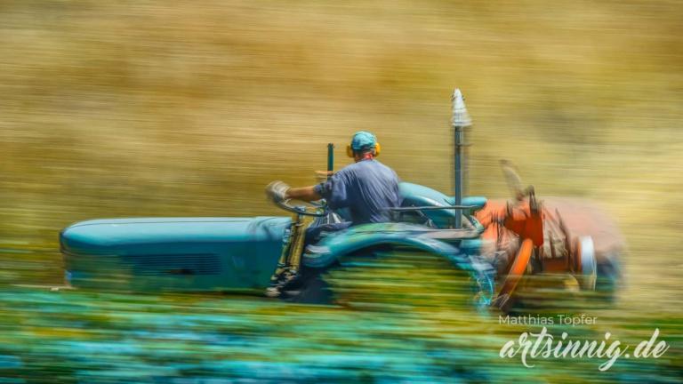 slow shutter speed Landwirtschaft Fotos von der Feldarbeit mit dem Traktor